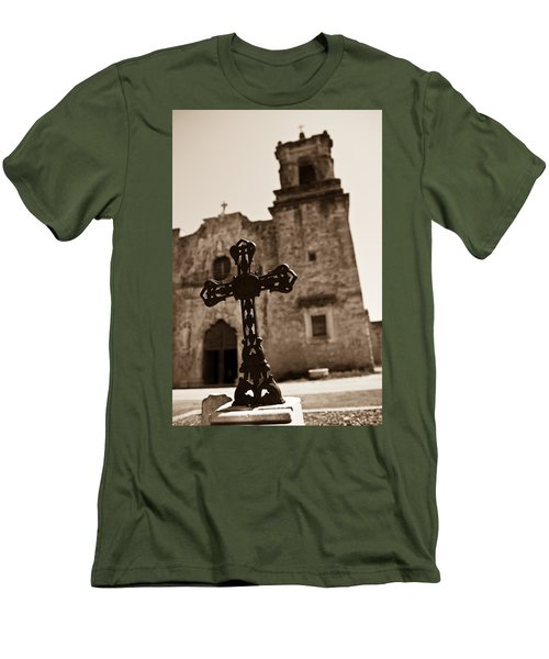 San Antonio Men's T-Shirt (Athletic Fit)