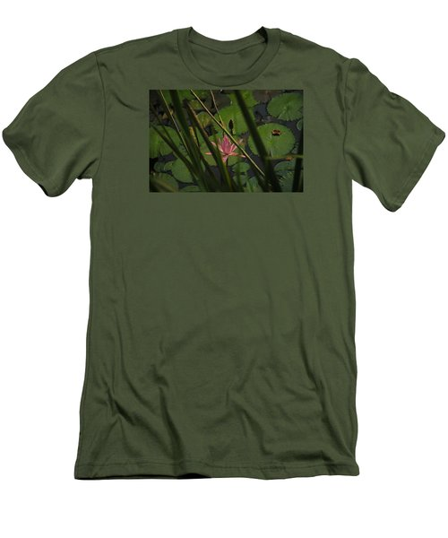 Water Lilly Men's T-Shirt (Athletic Fit)