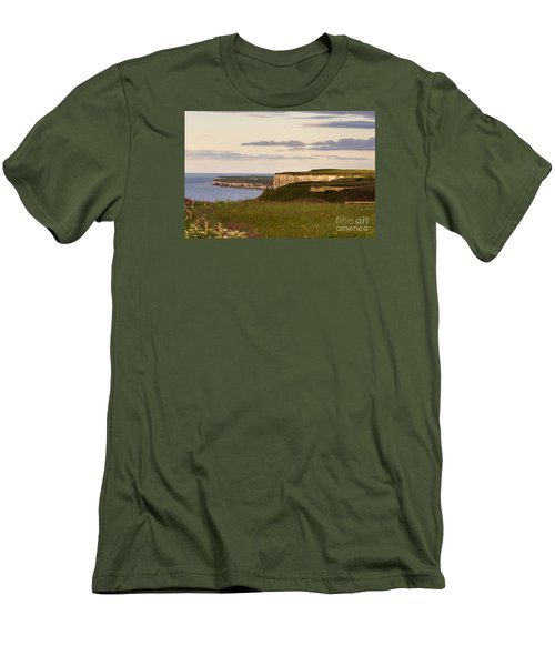 Bempton Cliffs Men's T-Shirt (Athletic Fit)