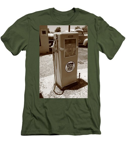 Route 66 Gas Pump Men's T-Shirt (Athletic Fit)