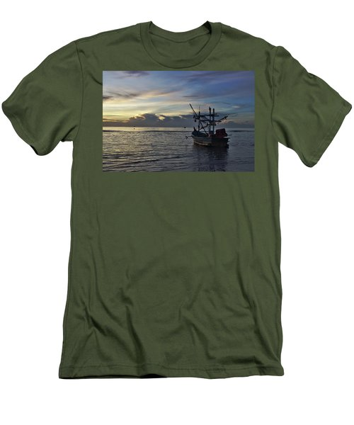 Sunrise On Koh Tao Island In Thailand Men's T-Shirt (Athletic Fit)