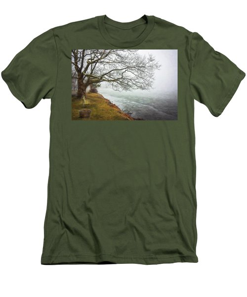 Green Pond New Jersey Winter C409 Men's T-Shirt (Athletic Fit)