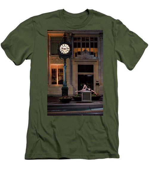 915 Men's T-Shirt (Athletic Fit)