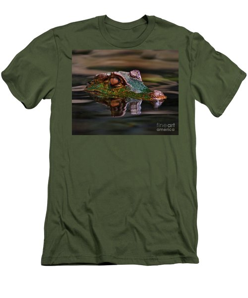 Alligator Above Water Reflection Men's T-Shirt (Slim Fit)