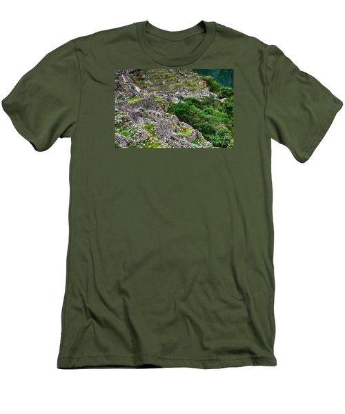 Alpacas At Machu Picchu Men's T-Shirt (Athletic Fit)