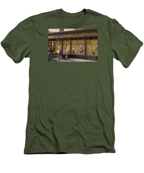 American Italy Men's T-Shirt (Athletic Fit)