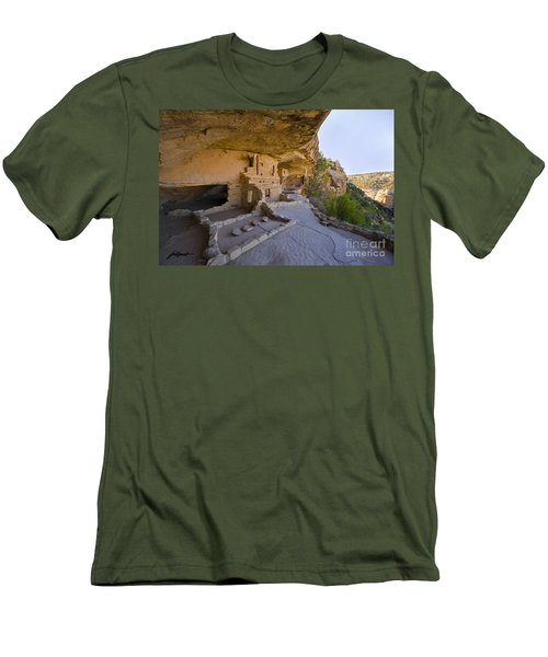 Ancient Kitchen Men's T-Shirt (Athletic Fit)