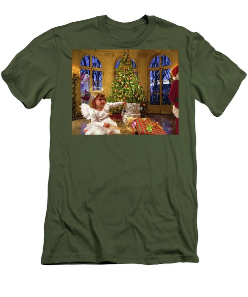 Annalise And Santa Men's T-Shirt (Athletic Fit)