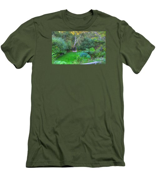 Arch Scene In The Green Men's T-Shirt (Athletic Fit)
