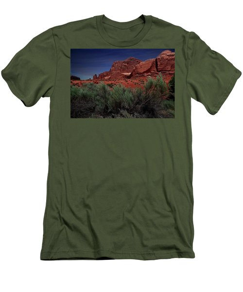 Arches Scene 3 Men's T-Shirt (Athletic Fit)
