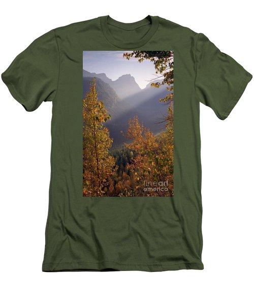 Autumn At Logan Pass Men's T-Shirt (Athletic Fit)