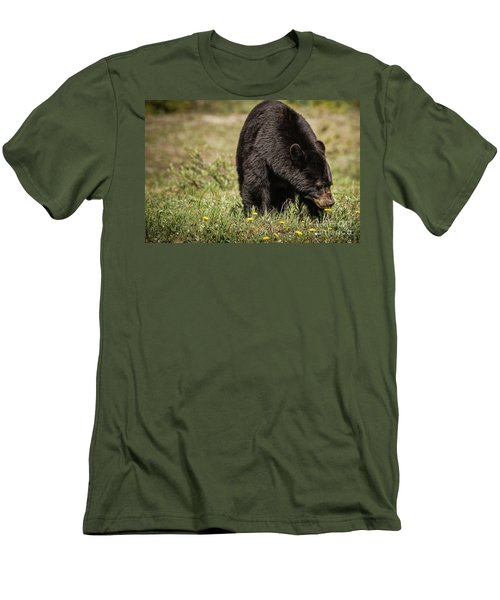 Black Bear Men's T-Shirt (Athletic Fit)