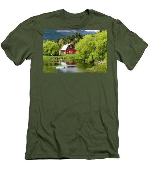 Brinnon Washington Barn Men's T-Shirt (Athletic Fit)