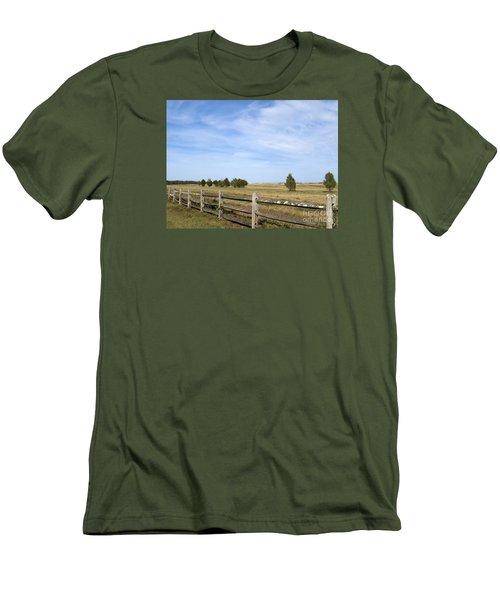Calf Pasturepoint Men's T-Shirt (Athletic Fit)