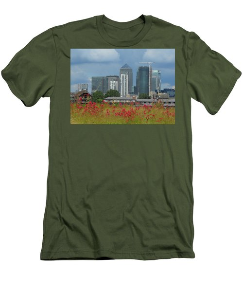 Canary Wharf 01 Men's T-Shirt (Athletic Fit)