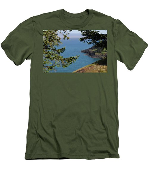 Cape Foulweather  Men's T-Shirt (Athletic Fit)