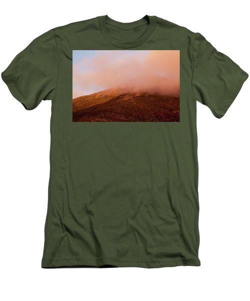Caps Ridge Sunset Men's T-Shirt (Athletic Fit)