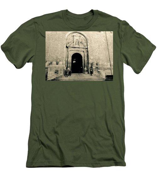 Churchdoor In Mahon Men's T-Shirt (Athletic Fit)