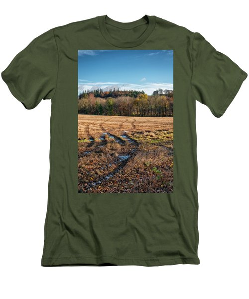 Men's T-Shirt (Athletic Fit) featuring the photograph Clackmannan Tower In Central Scotland by Jeremy Lavender Photography