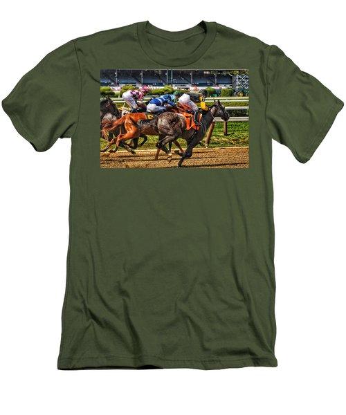 Close Running Men's T-Shirt (Athletic Fit)