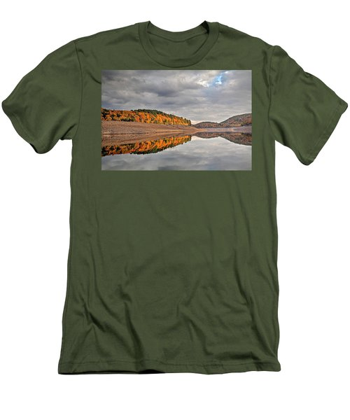 Men's T-Shirt (Slim Fit) featuring the photograph Colebrook Reservoir - In Drought by Tom Cameron