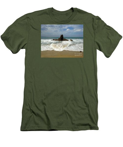Corona Del Mar 4 Men's T-Shirt (Athletic Fit)