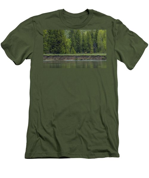 Cow Elk On The Riverbank Men's T-Shirt (Athletic Fit)