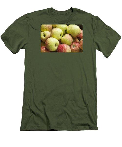 Crisp Wild Apples Men's T-Shirt (Athletic Fit)