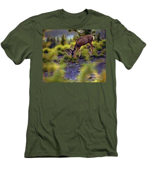 Deer At Crater Lake, Oregon Men's T-Shirt (Slim Fit)