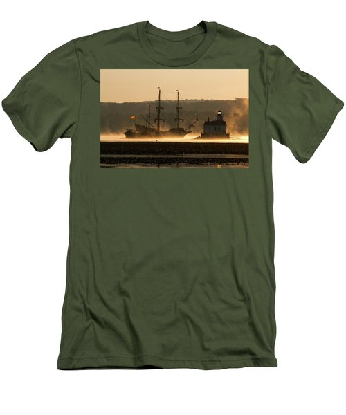Departure Of El Galeon I Men's T-Shirt (Athletic Fit)