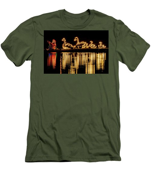 Duck Pond Christmas Men's T-Shirt (Athletic Fit)