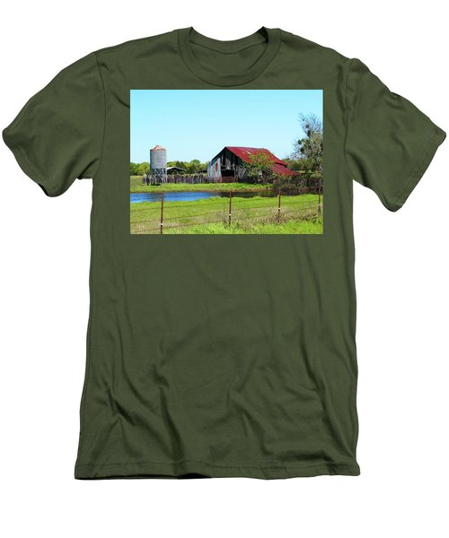 East Texas Barn Men's T-Shirt (Athletic Fit)