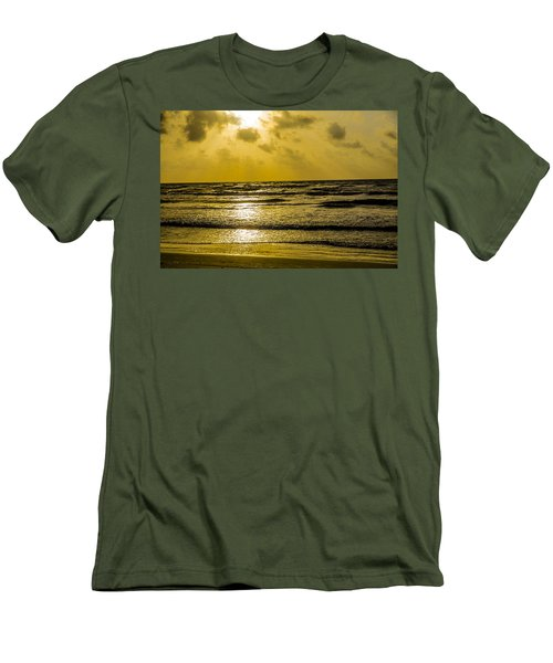 End Of The Season Padre 85 Men's T-Shirt (Athletic Fit)