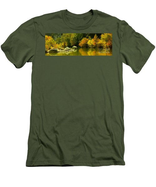 English Crossing Men's T-Shirt (Athletic Fit)