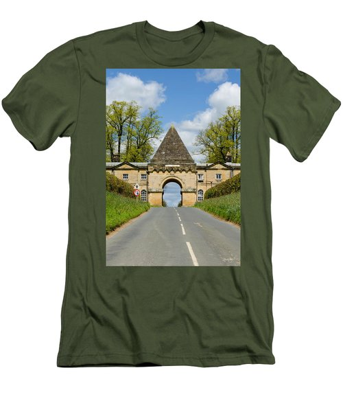 Entrance To Burghley House Men's T-Shirt (Athletic Fit)