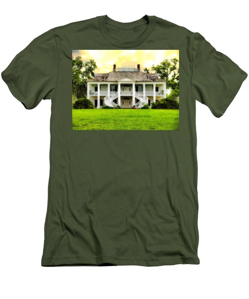 Evergreen Plantation Men's T-Shirt (Athletic Fit)
