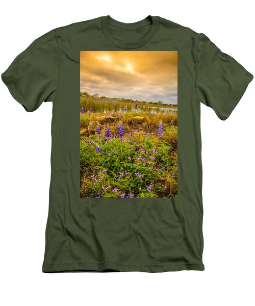 Zapata Falcon Lake 2 Men's T-Shirt (Athletic Fit)