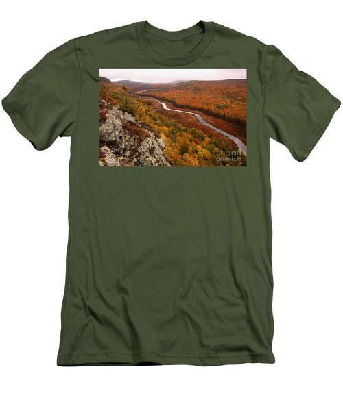 Fall Colors - Lake Of The Clouds Men's T-Shirt (Athletic Fit)