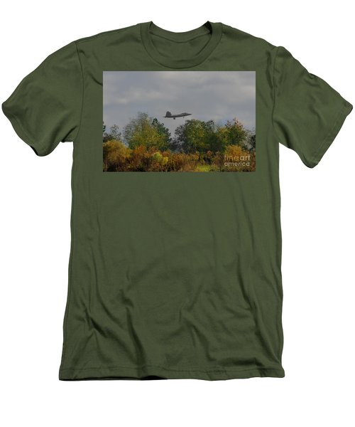 Fall Raptor Men's T-Shirt (Athletic Fit)