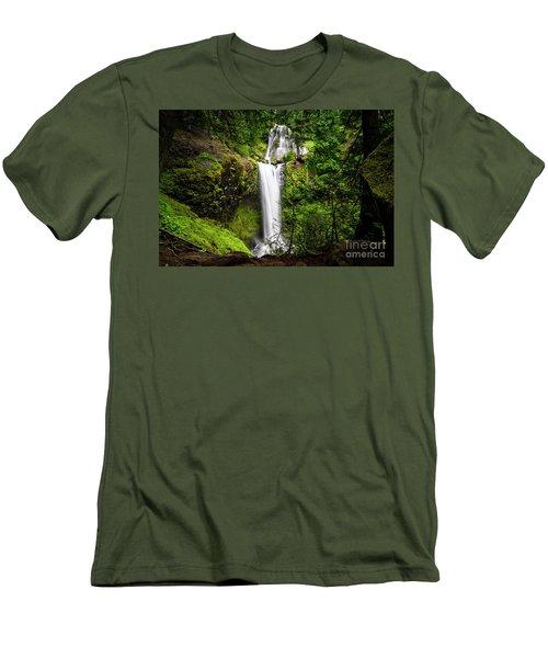 Falls Creek Falls Men's T-Shirt (Athletic Fit)