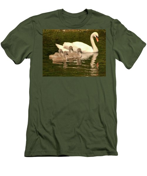 Family Swan  Men's T-Shirt (Athletic Fit)