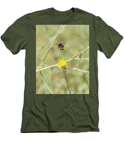 Finnon Bumble Bee Men's T-Shirt (Athletic Fit)