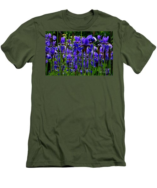 Fleur De Lys Men's T-Shirt (Slim Fit) by Elfriede Fulda