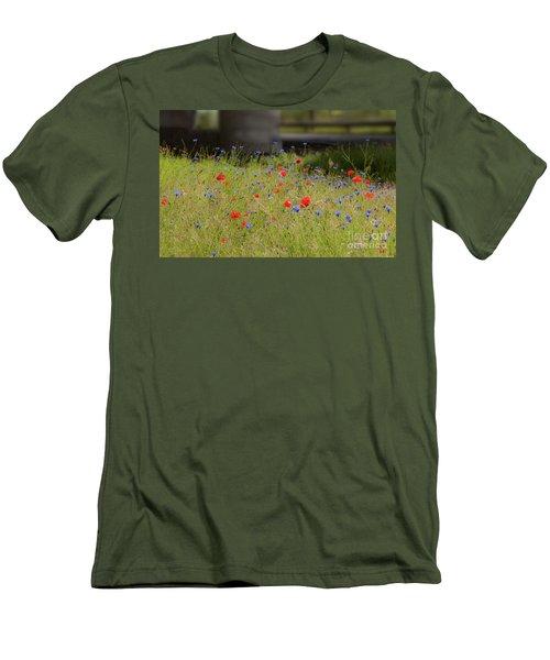 Flower Duet Men's T-Shirt (Slim Fit)