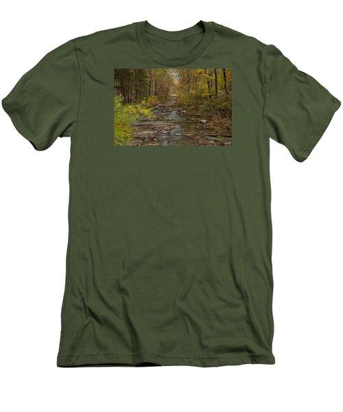 Fok River Men's T-Shirt (Athletic Fit)