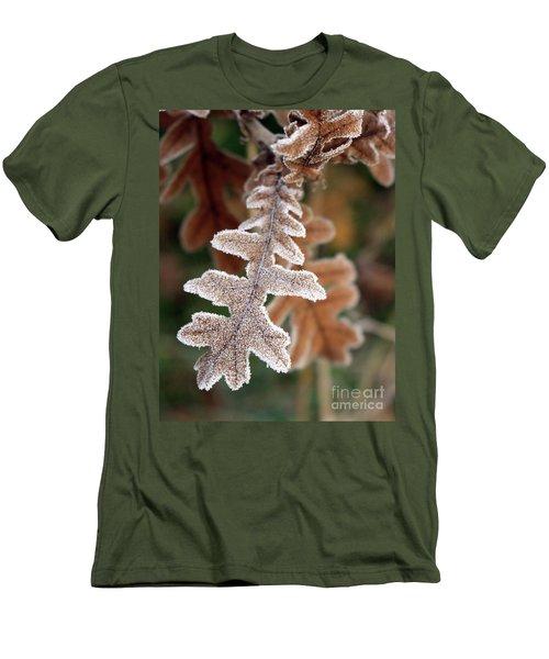 Frost Covered Oak Leaf Men's T-Shirt (Athletic Fit)