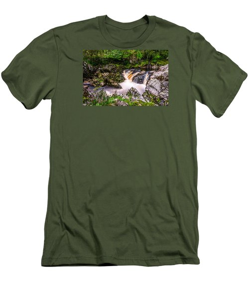 Glentrool Rivers And Falls Men's T-Shirt (Athletic Fit)