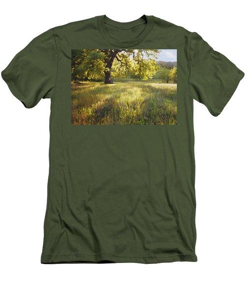 God Light Men's T-Shirt (Athletic Fit)
