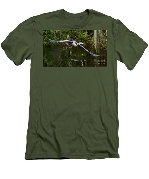 Great Blue Heron Flight Men's T-Shirt (Athletic Fit)