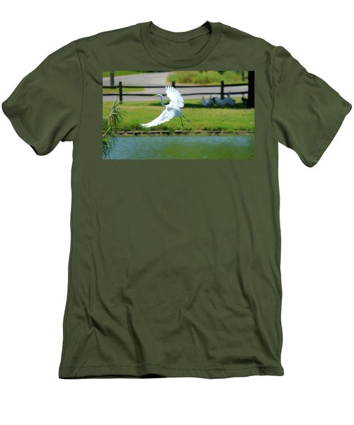 Great Egret In A Left Banking Turn - Digitalart Men's T-Shirt (Athletic Fit)